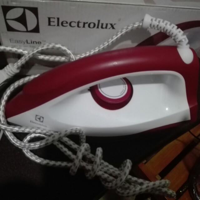 Electrolux flat iron(plantsa)