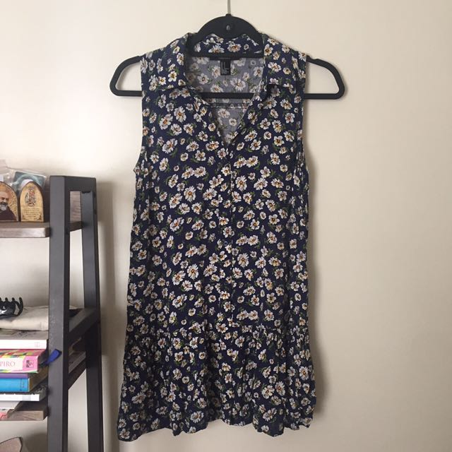 FOREVER21 Daisy Drop waist dress