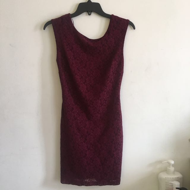 Forever 21 lace form fitting dress