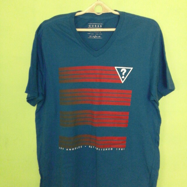 Guess T-shirt  (Large)