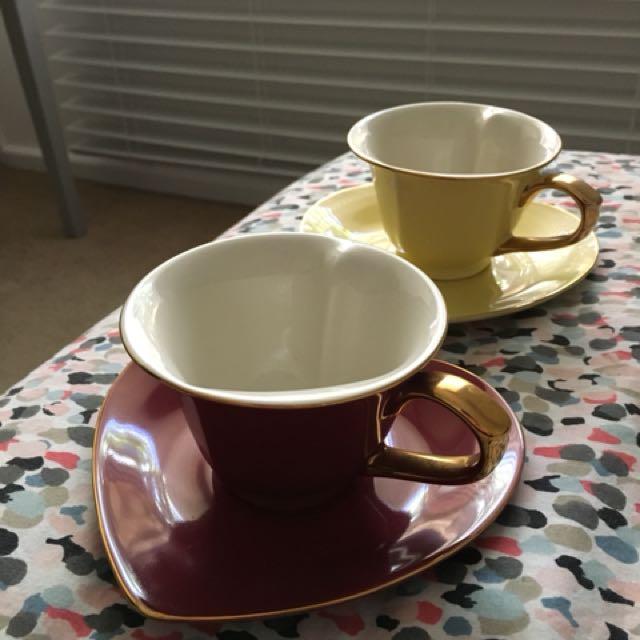 Heart shaped tea set