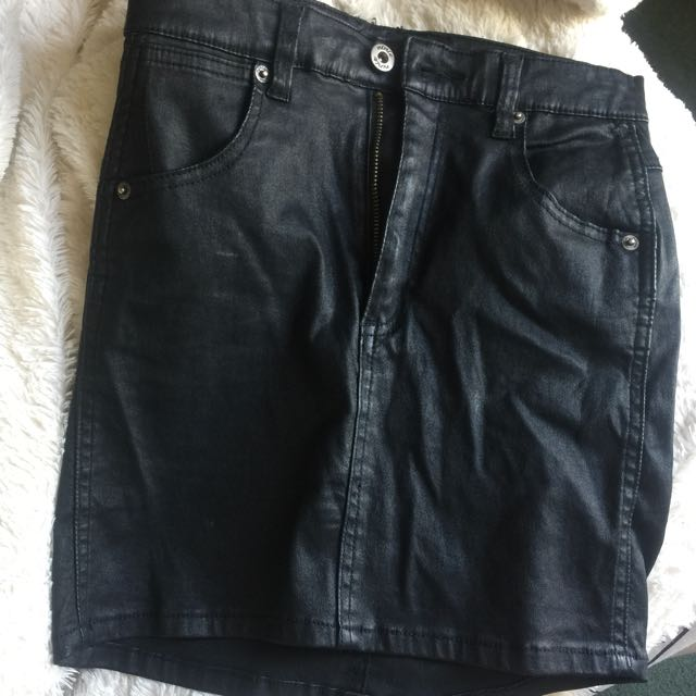 Leather skirt, size 6-8