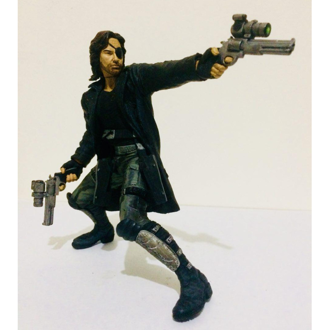 "MCFARLANE 7""INCH MOVIE MANIAC SERIES 3 ESCAPE FROM NEW YORK "" SNAKE """