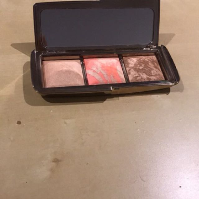 MECCA20 Hourglass Ambient Lighting Palette, Health U0026 Beauty, Makeup On  Carousell