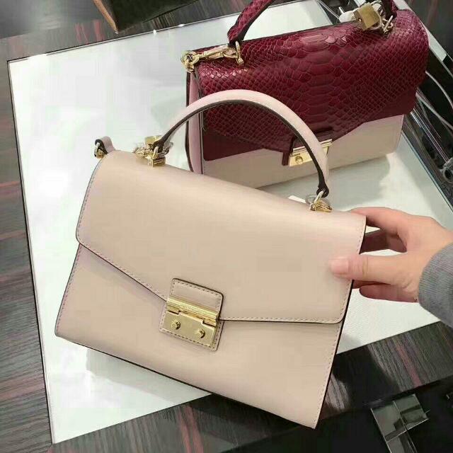 ff3c7bf7fe2b57 MK sloan medium top handle satchel bag, Luxury, Bags & Wallets on Carousell