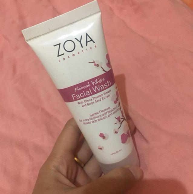 Natural White Facial Wash