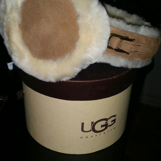 New Authentic Ugg Ear muffs