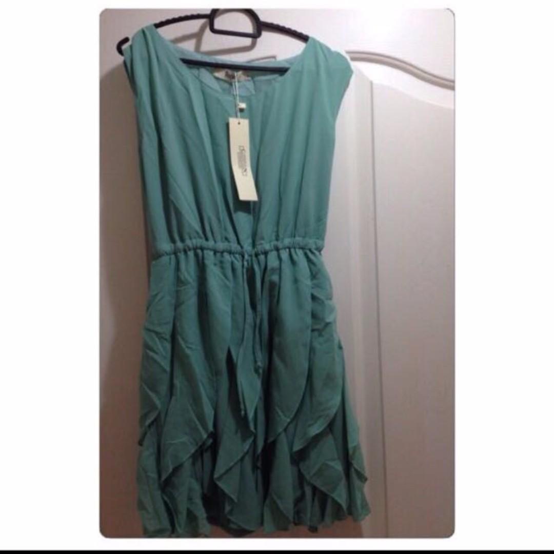 New Tiffany Green Chiffon Sleeveless Wave Dress - Size S