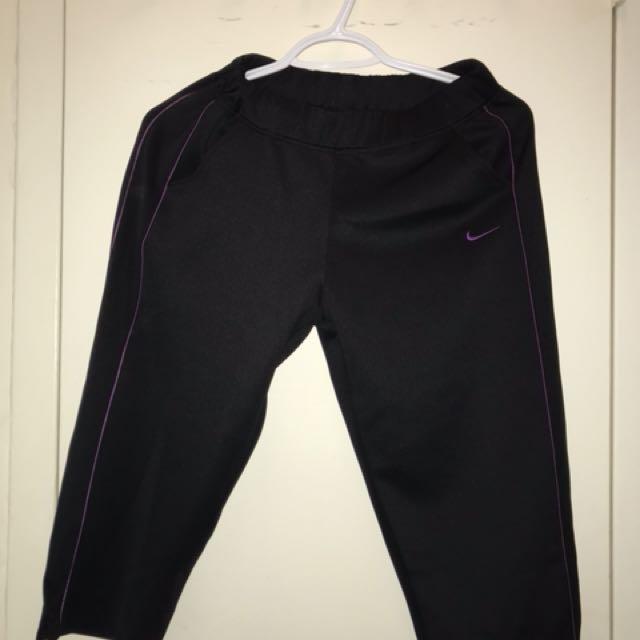 Nike Blackand purple capri pants