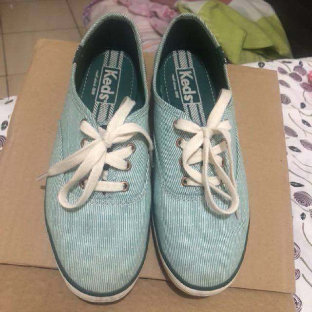 Original keds shoes size 5
