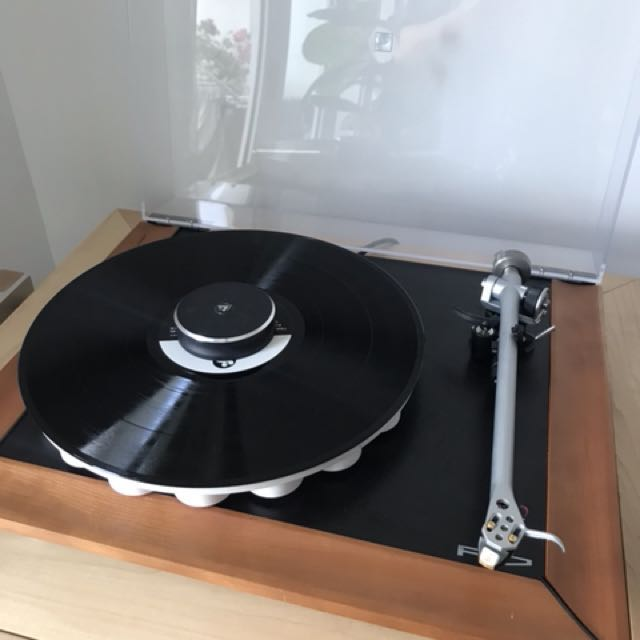 Pre-owned Rega P7 (Price reduced), Electronics, Audio on