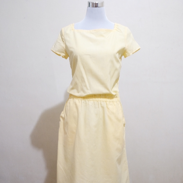 🍃Pretty Yellow Midi Dress