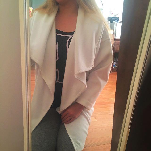 PRICE DROP✨H&M Women's white trench coat