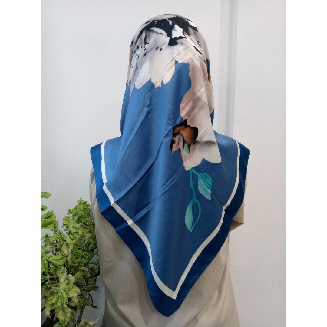 Satin Sunny Hijab