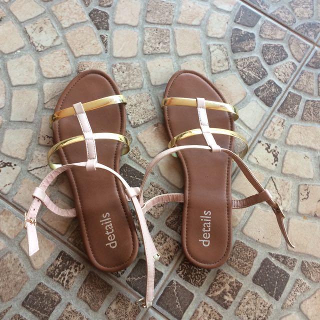 Sepatu sandal detail