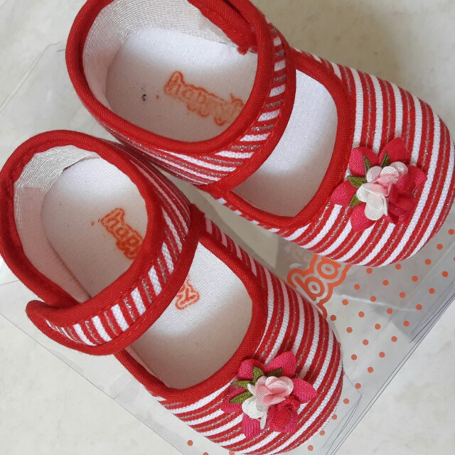 sepatu walker bayi