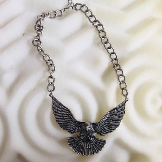 Silver vintage eagle necklace