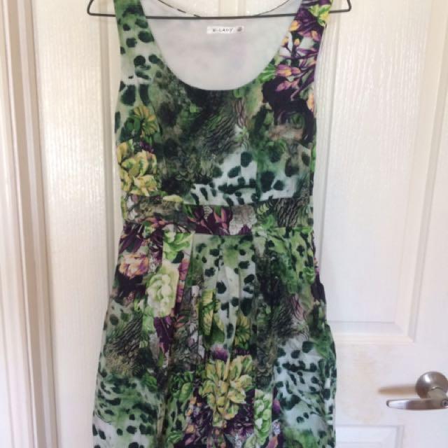 Size 8 Floral patterned dress