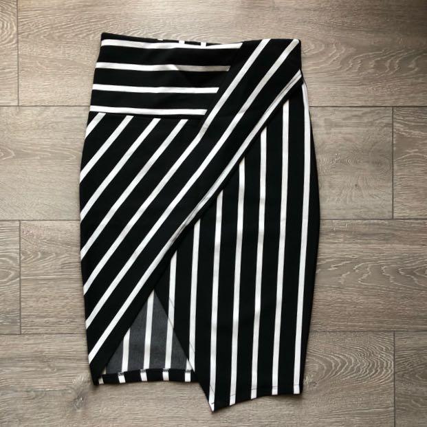 Skirt stretch, dengan karet di pinggang size M/L