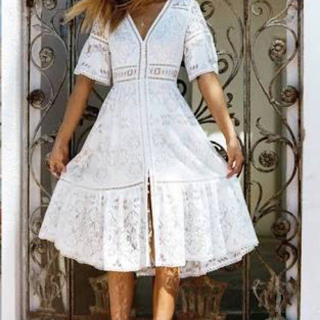 Spell Designs Clover lace gown size XS BNWT