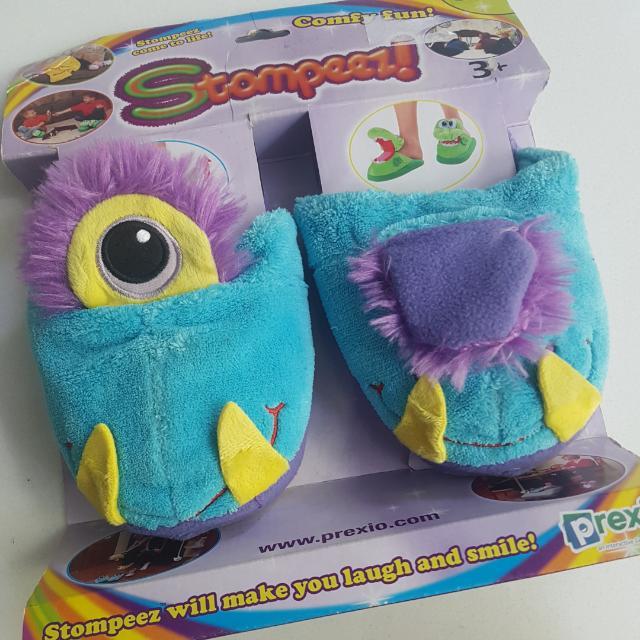 stompeez one eyed monster size s sandal