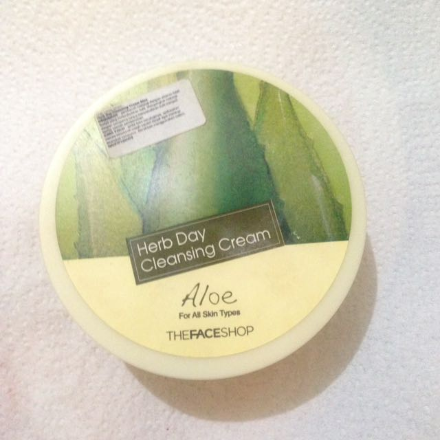 The face shop clensing cream