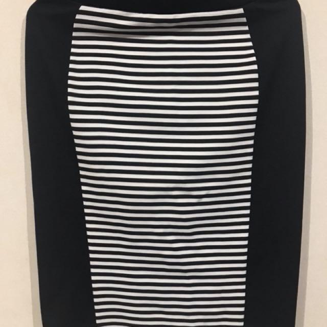 thight midi skirt