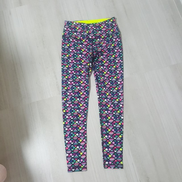 5c249576d2a8d9 Victoria's Secret Knockout Leggings, Sports, Sports Apparel on Carousell