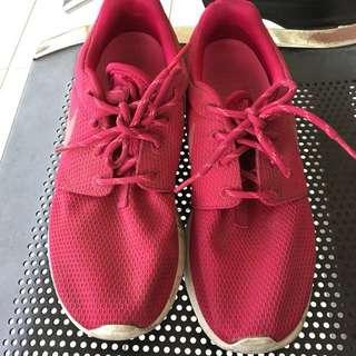 Nike roshe run (warna shock pink)