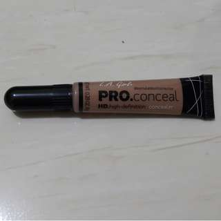 LA Girl Pro Concealer shade Medium Bisque