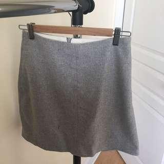 Aritzia wool skirt size 4