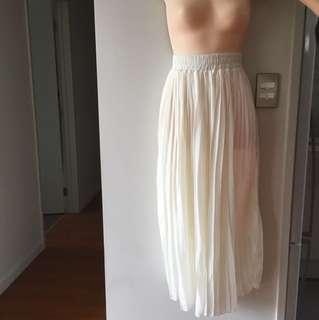White chiffon long skirt