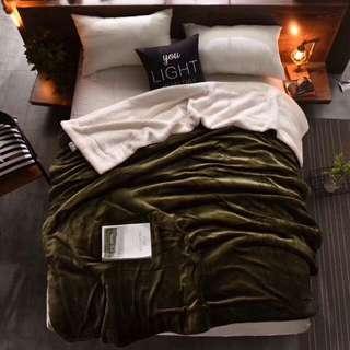 🚚 純色雙層加厚法蘭絨羊羔毯(個性綠)