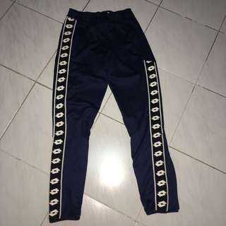 Lotto track pants 深藍運動褲 size S (女仔都著得)
