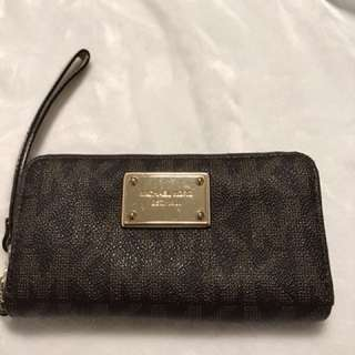 Michael Kors jet set travel wallet. zip clutch/wristlet