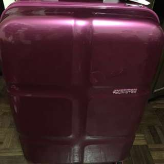 American Tourister Luggage Pink (Medium)
