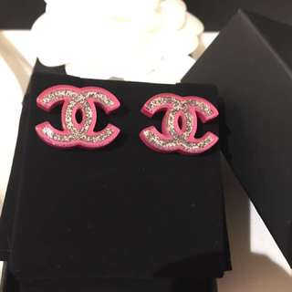 全新 Chanel 粉紅閃粉銀大耳環