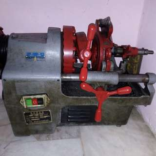 Electrical pipe thread machine