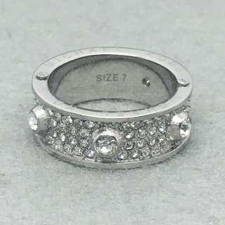 Michael Kors Sample Ring 銀色閃石戒指 size is 7 (內部直徑約1.7 cm)