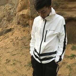 🚚 日本設計師品牌resquad機能風衣