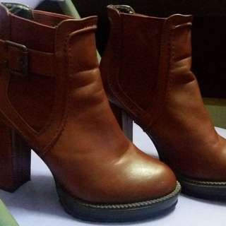 brand new boots for women size 8