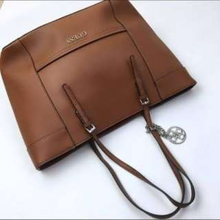 Large Guess Handbag Tan.. Near New