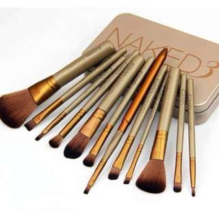 Brush Makeup Naked 3 isi 12 set