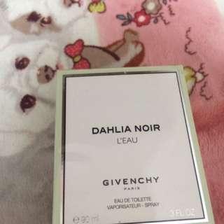 Givenchy dahliaNoir L'eau lady's perfume