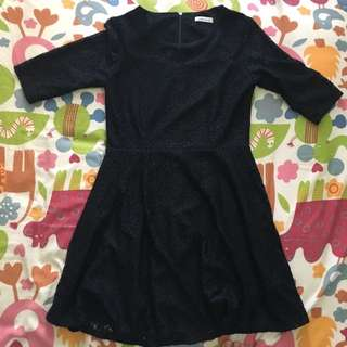 Dress hitam pendek, floral pattern