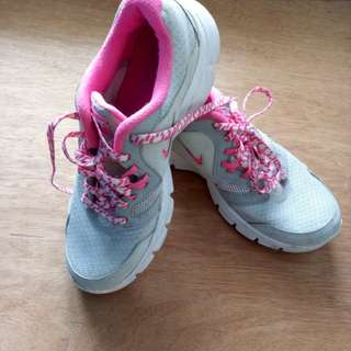 ORIGINAL NIKE RUNNING SHOES PINK/GRAY