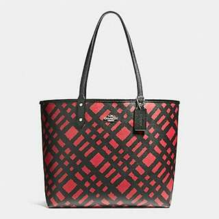 REVERSIBLE CITY TOTE WITH WILD PLAID PRINT COACH F22247
