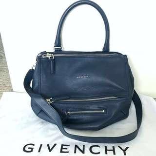 🎄SALE🎄Givenchy Pandora Medium Bag