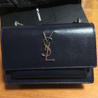 YSL全新Sunset Chain Wallet in Navy Leather