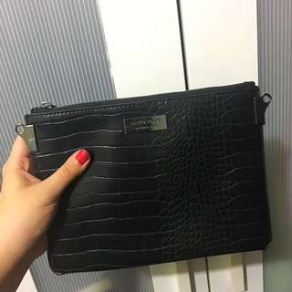 Mango Touch Clutch